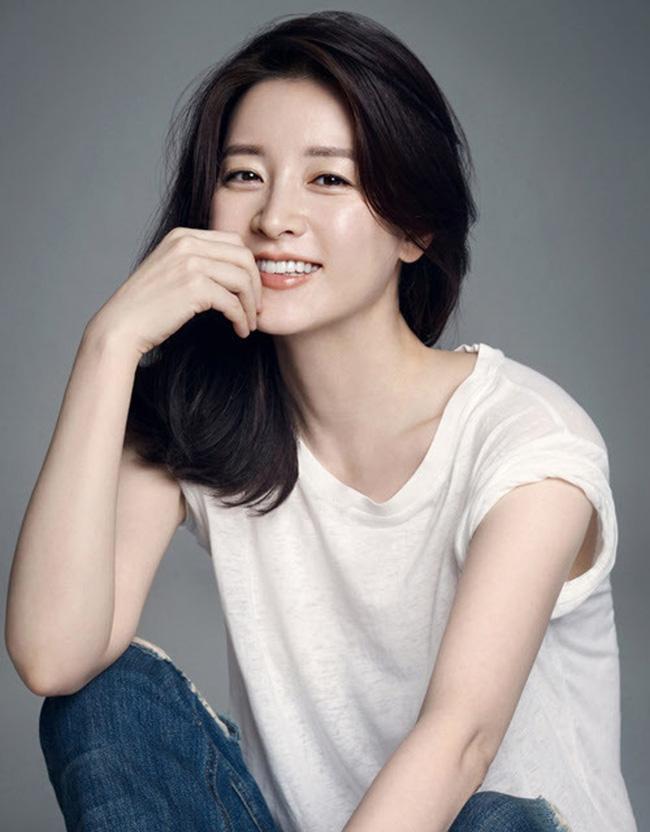 Hậu ly hôn, Song Hye Kyo lép vế trong cuộc đua nhan sắc khi đứng sau người đẹp đình đám này ở danh sách các nữ thần hàng đầu Hàn Quốc 1
