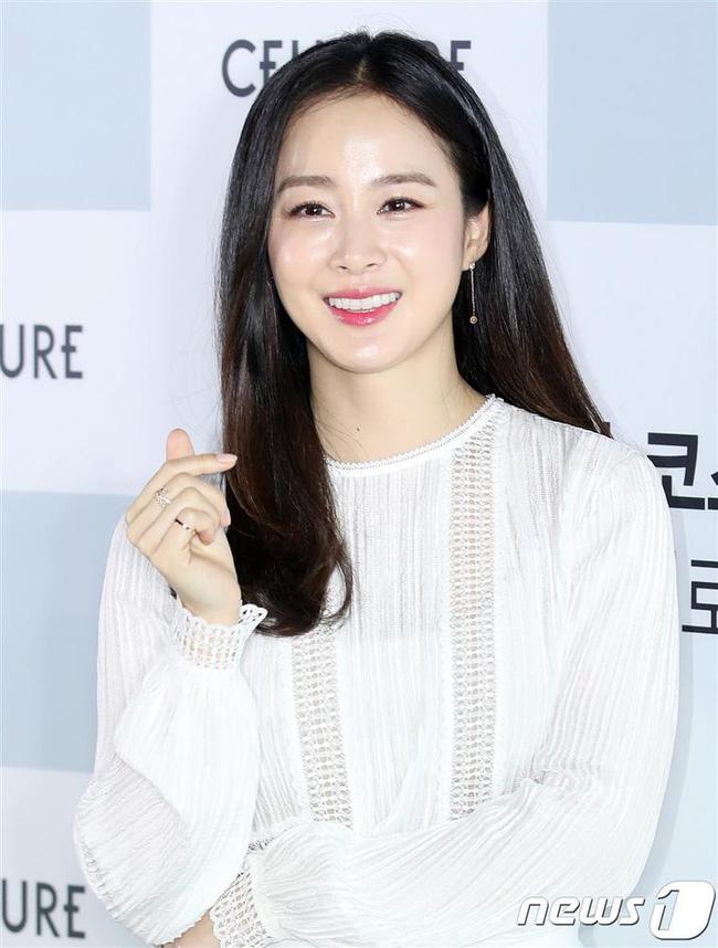 Hậu ly hôn, Song Hye Kyo lép vế trong cuộc đua nhan sắc khi đứng sau người đẹp đình đám này ở danh sách các nữ thần hàng đầu Hàn Quốc 3