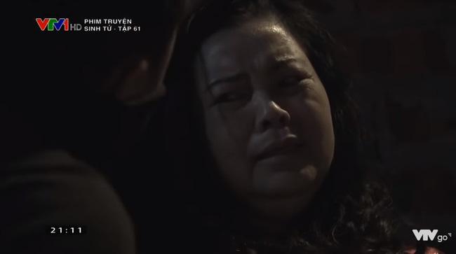 Mẹ của Tiến Huy bị bắt cóc và cảnh cáo.
