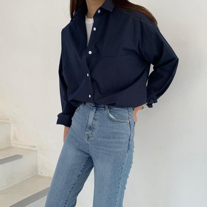 Tội gì vắt óc nghĩ cách mix đồ khi bạn luôn có sẵn 4 công thức áo phông đơn giản nhưng đẹp bất bại, diện không bao giờ lỗi? 12