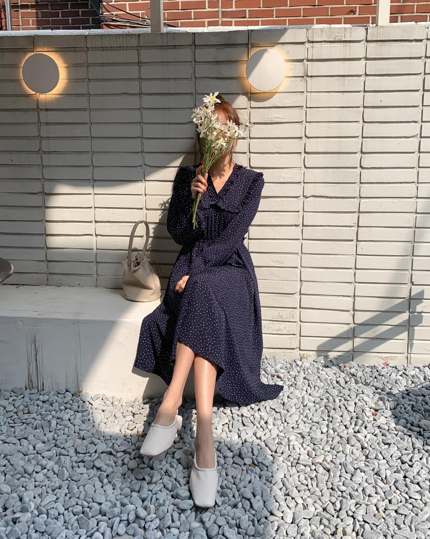 Lấy cảm hứng từ Selena Gomez, bạn sẽ nhận ra không sắm đồ chấm bi thì thiệt thòi cho phong cách quá! 8