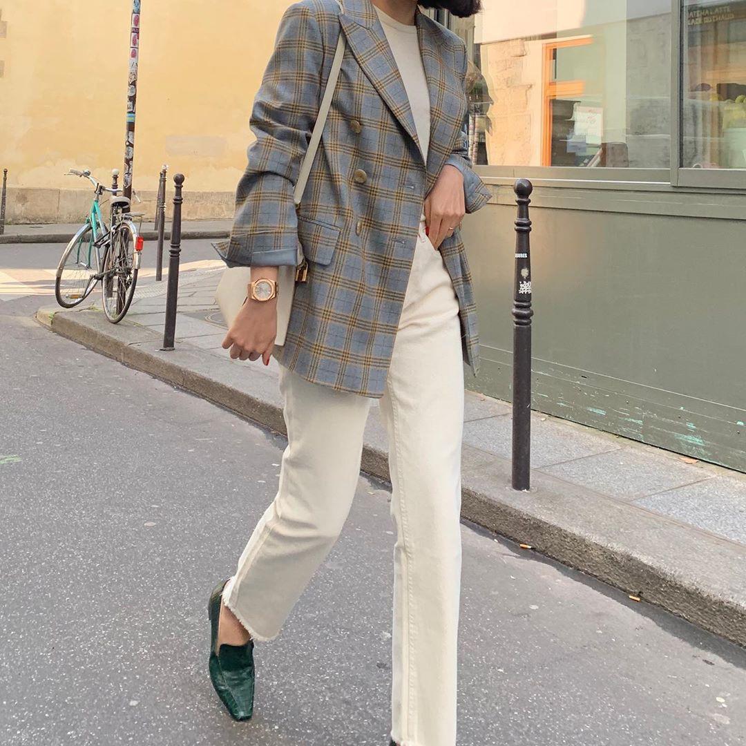Blazer + Jeans: Nàng công sở tuổi 30+ sẽ chẳng bao giờ mặc xấu nếu biết thêm cách kết hợp giày dép này 8