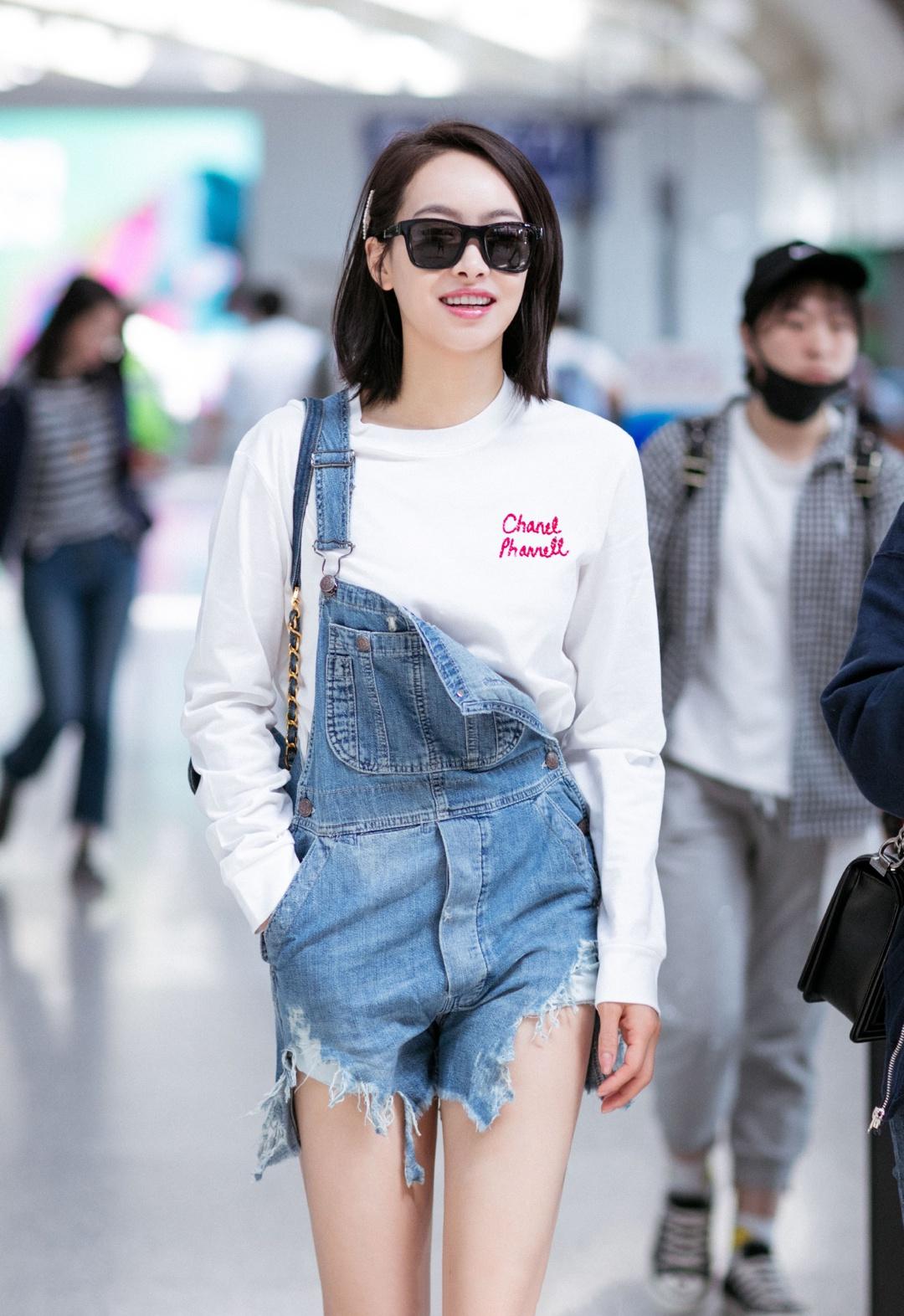 Dương Mịch - Tống Thiến - Jennie cùng 'hack tuổi' tài tình với 1 mẫu quần nhưng khác biệt về độ chất mới đáng bàn 3