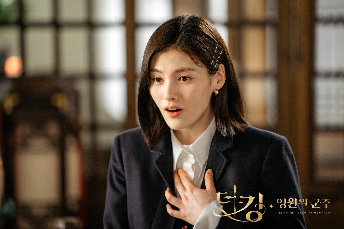 Hè nóng ná thở, muốn xén tóc cho nhẹ đầu thì chị em hãy tham khảo 3 kiểu tóc ngắn được 'sủng' nhất trong phim Hàn 3