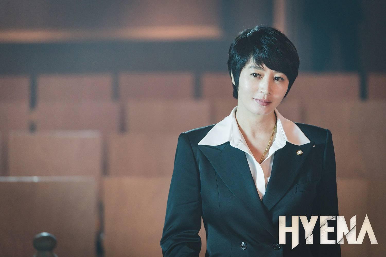 Hè nóng ná thở, muốn xén tóc cho nhẹ đầu thì chị em hãy tham khảo 3 kiểu tóc ngắn được 'sủng' nhất trong phim Hàn 8