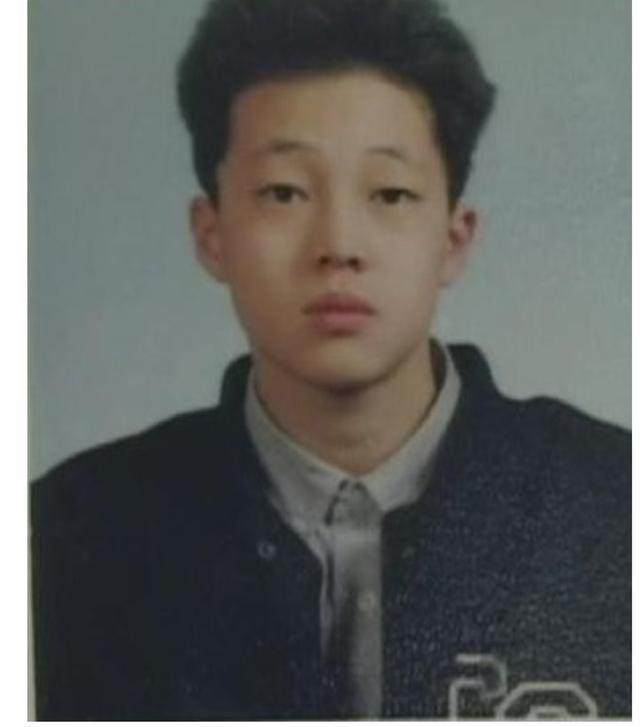 Trước khi trở thành mỹ nam hàng đầu Hàn Quốc thì Hyun Bin, Park Bo Gum hay Lee Min Ho đã từng 'trẻ trâu' thế này 6