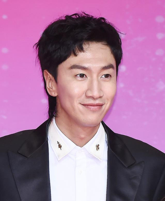 Trước khi trở thành mỹ nam hàng đầu Hàn Quốc thì Hyun Bin, Park Bo Gum hay Lee Min Ho đã từng 'trẻ trâu' thế này 17