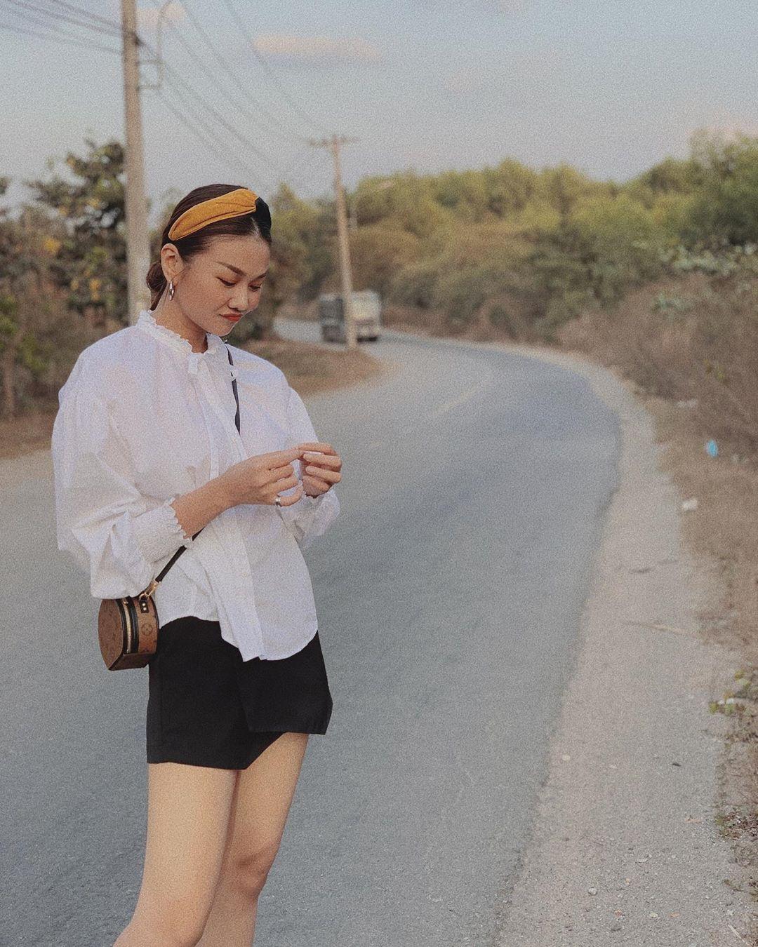 Học Hà Tăng và Thanh Hằng sắm đủ 5 món đồ này là dư sức mặc đẹp suốt mùa Thu 1