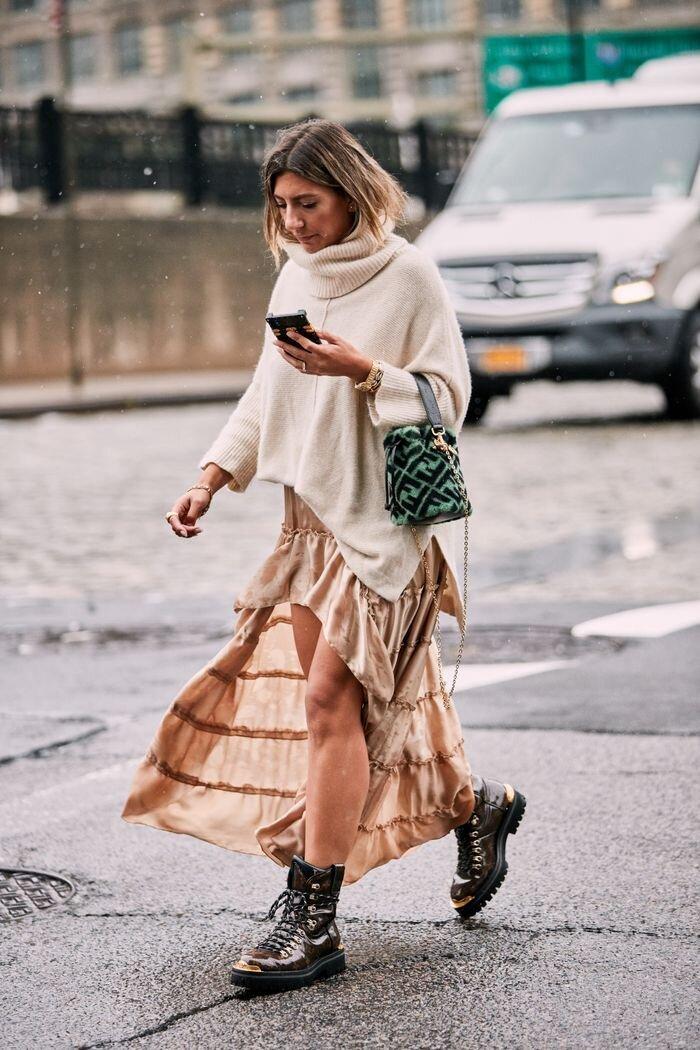 KIểu giày luôn hot nhất trong mùa thời trang thu này sẽ giúp nâng tầm phong cách của bạn mỗi khi xuống phố.