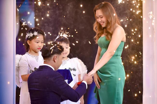 Mẹ đơn thân được chàng trai 24 tuổi cầu hôn ở show mai mối của Xuân Bắc - H'Hen Niê 6