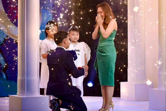 Mẹ đơn thân được chàng trai 24 tuổi cầu hôn ở show mai mối của Xuân Bắc - H'Hen Niê 5