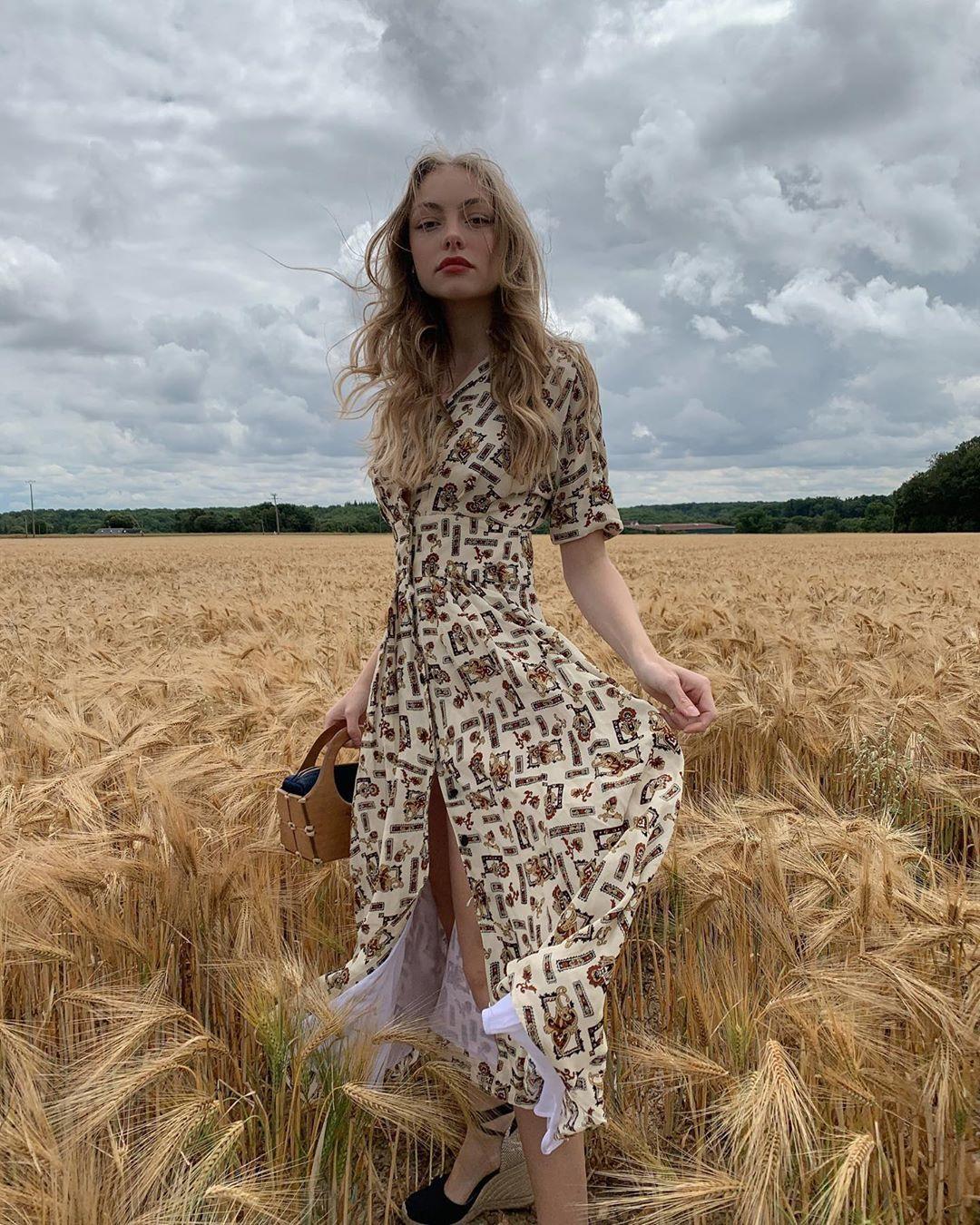 Trời se lạnh mà 'quẩy' váy dáng dài là style sẽ yêu kiều như gái Pháp, điểm sang chảnh cũng tăng ngùn ngụt 8