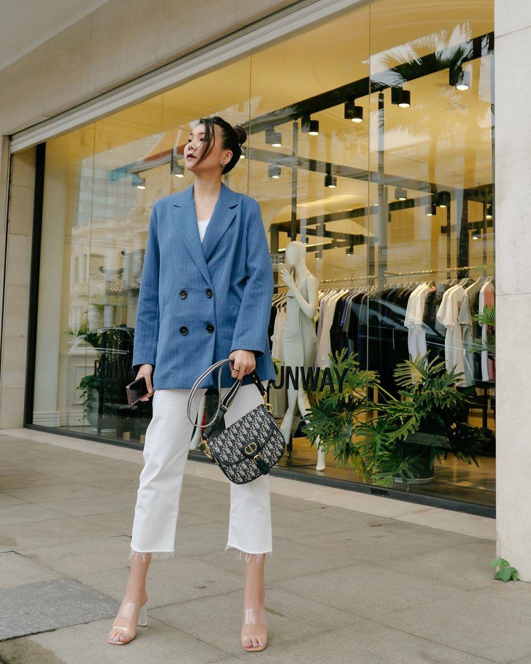 3 kiểu áo khoác khi trở lạnh được lòng hội chị em tuổi 30+ 'nhà Vbiz': Phạm Quỳnh Anh 'buông lơi' như idol Kpop, Hà Tăng lại hack tuổi đỉnh cao không thua gái 18 0