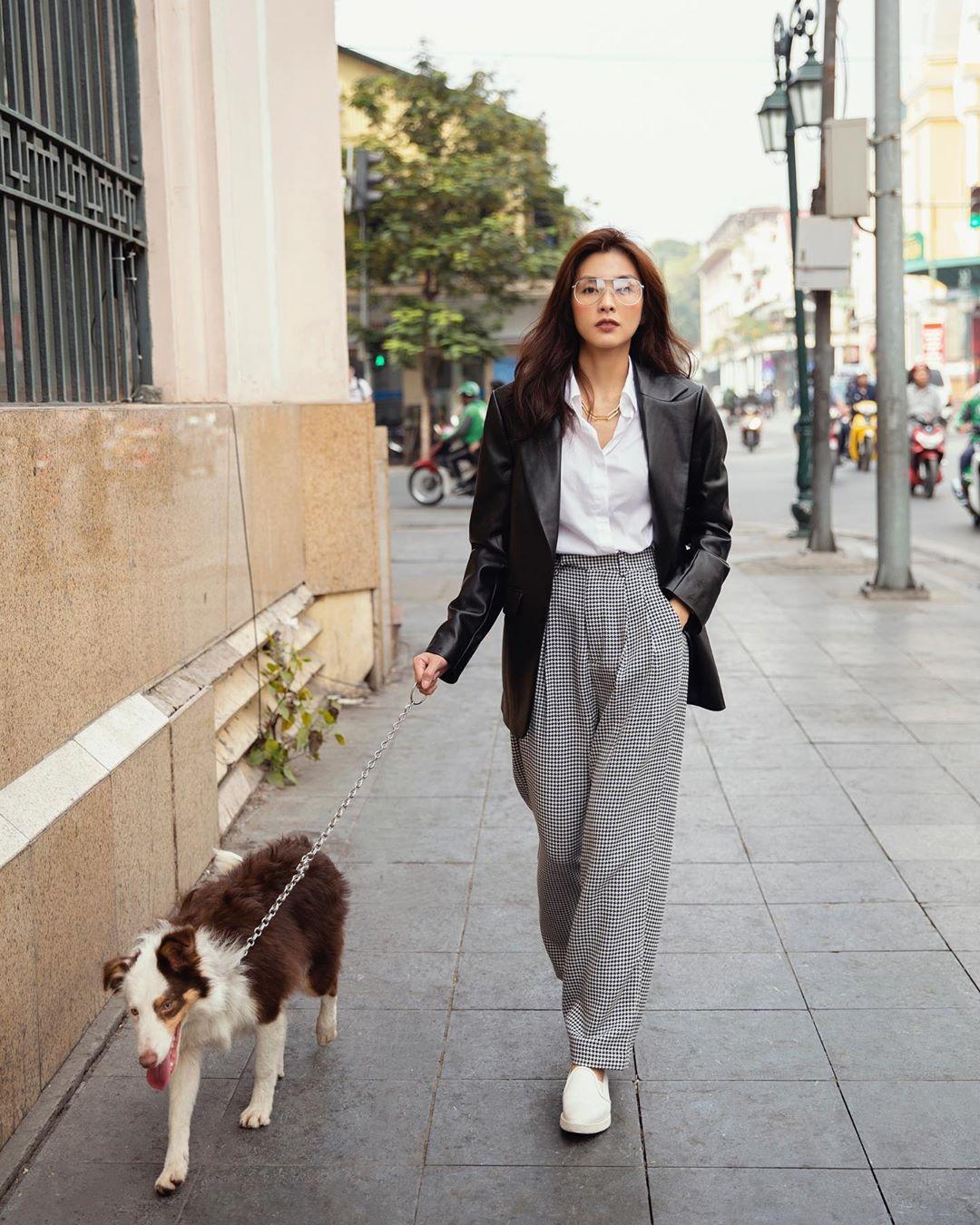 3 kiểu áo khoác khi trở lạnh được lòng hội chị em tuổi 30+ 'nhà Vbiz': Phạm Quỳnh Anh 'buông lơi' như idol Kpop, Hà Tăng lại hack tuổi đỉnh cao không thua gái 18 3