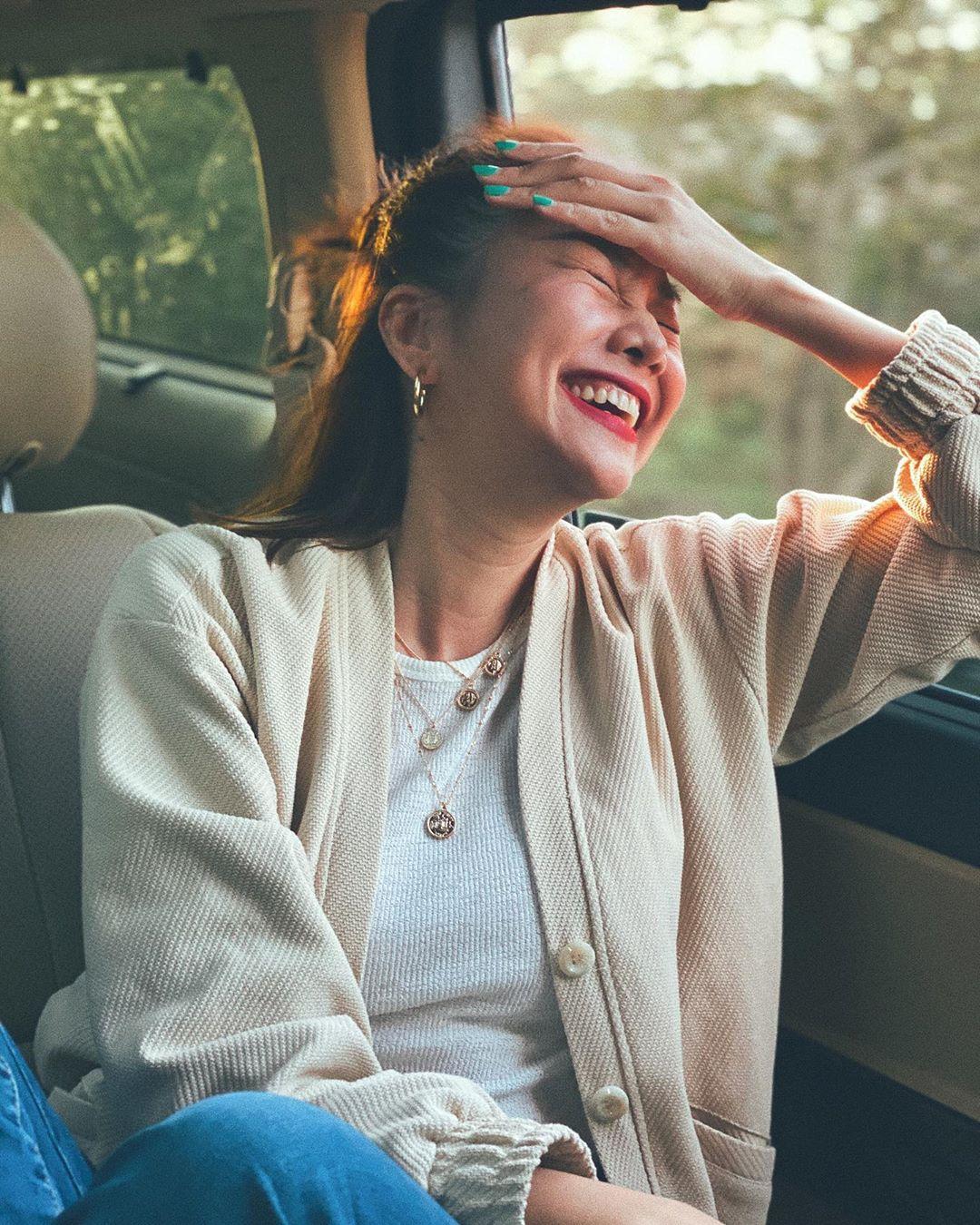 3 kiểu áo khoác khi trở lạnh được lòng hội chị em tuổi 30+ 'nhà Vbiz': Phạm Quỳnh Anh 'buông lơi' như idol Kpop, Hà Tăng lại hack tuổi đỉnh cao không thua gái 18 6