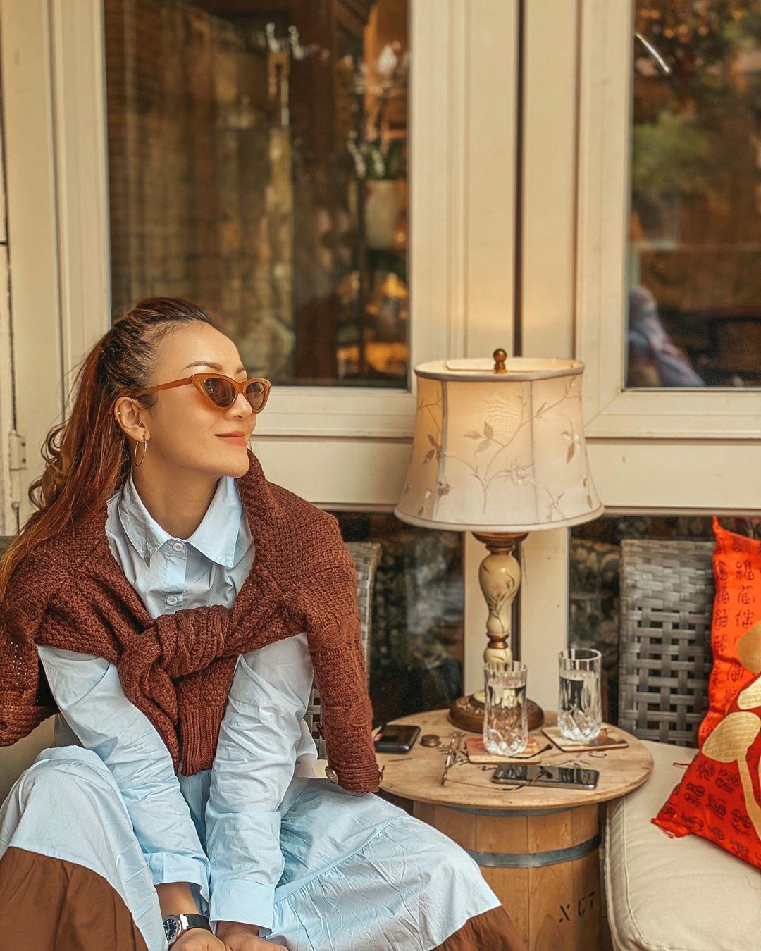 3 kiểu áo khoác khi trở lạnh được lòng hội chị em tuổi 30+ 'nhà Vbiz': Phạm Quỳnh Anh 'buông lơi' như idol Kpop, Hà Tăng lại hack tuổi đỉnh cao không thua gái 18 9