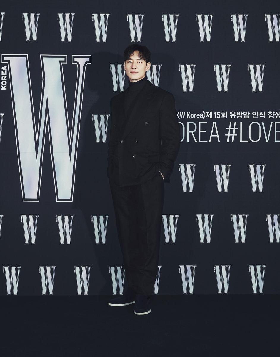Nam diễn viên Lee Je Hoon