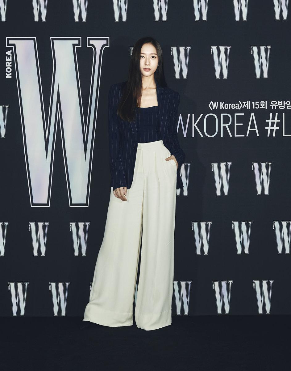 Sự kiện hot nhất Kbiz tuần qua tung ảnh 'xịn xò': 'Nữ hoàng dao kéo' Park Min Young gây thất vọng vì nhan sắc xuống cấp, kém 4 tuổi nhưng già nua hơn cả Han Ji Min 22