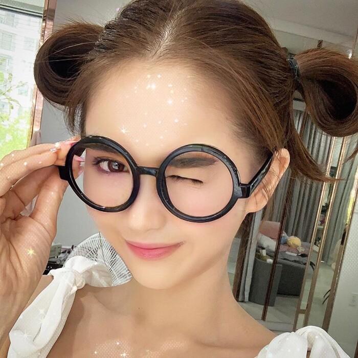 Nhìn loạt ảnh trên nhiều người chắc hẳn không nghĩ ra rằng người đẹp Trà Vinh đã bước qua ngưỡng hơn 30