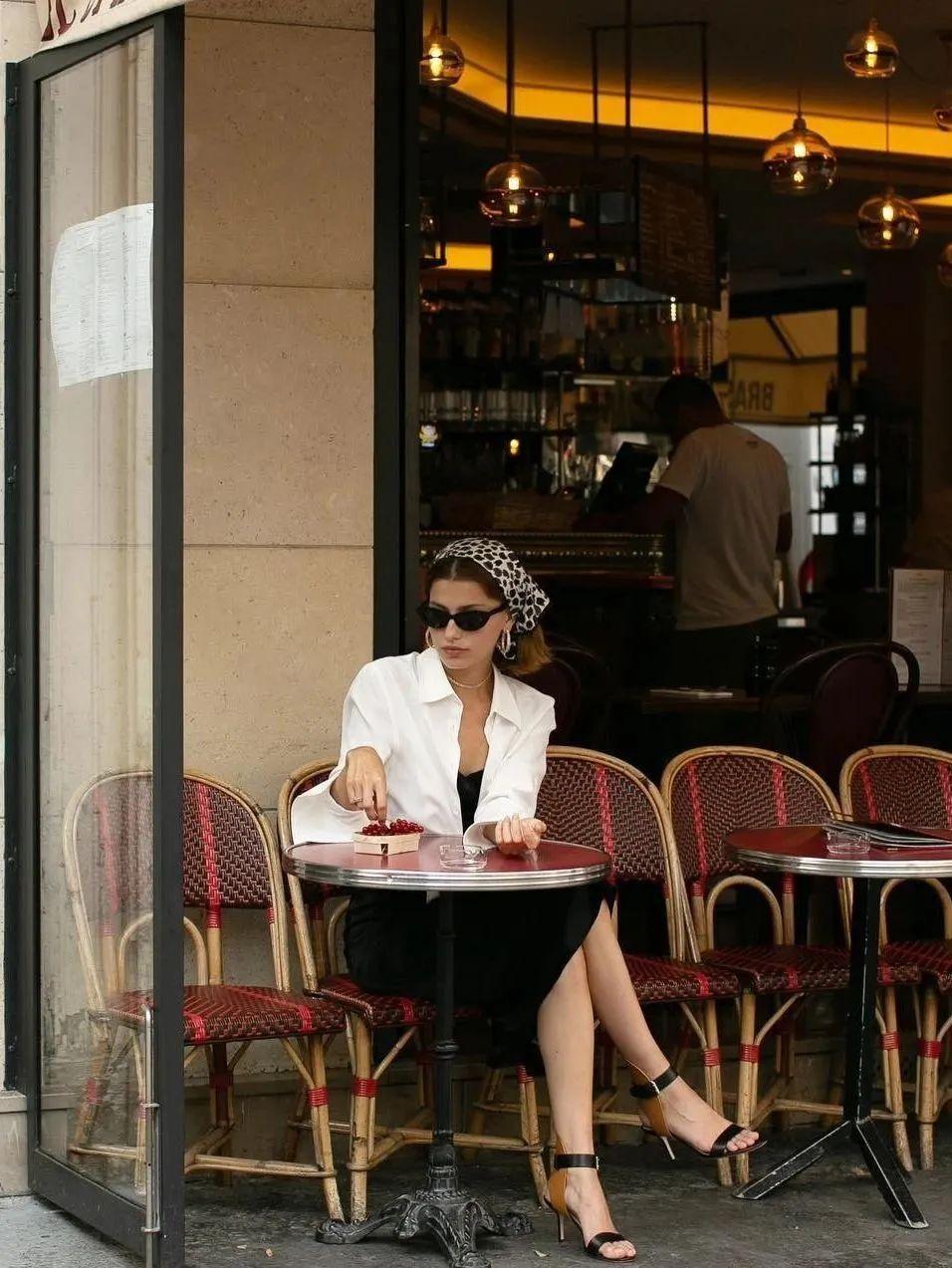 Sơ mi trắng - item kinh điển nhưng muốn mặc đẹp thì không phải nàng công sở nào cũng biết 9