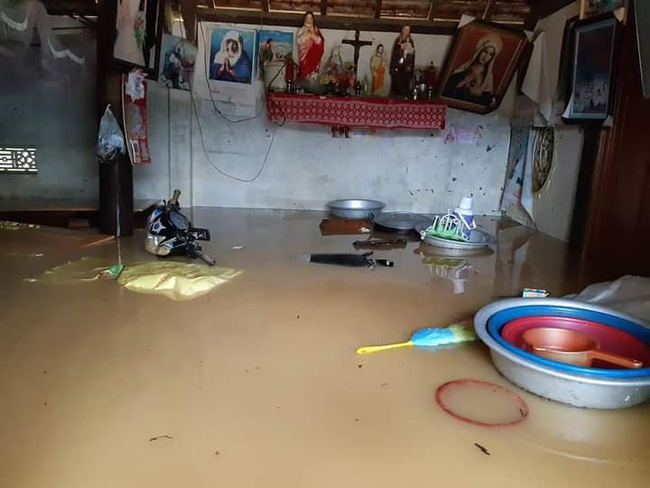 Nghệ An: Hai học sinh cấp 2 tử vong thương tâm vì mưa lũ 1