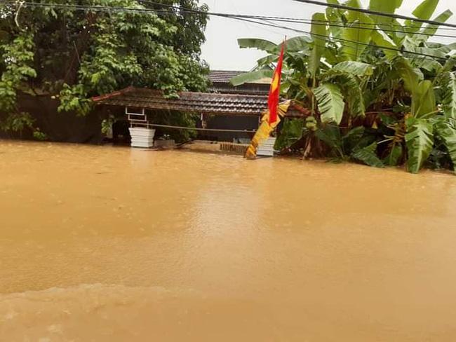 Nghệ An: Hai học sinh cấp 2 tử vong thương tâm vì mưa lũ 0