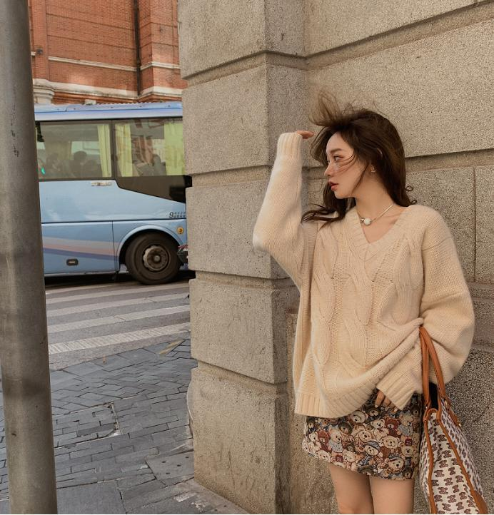 Áo len vặn thừng tái xuất, 'bỏ bùa' gái Hàn đến gái Pháp: Thị phạm ngay 14 set đồ cực phiêu cho các nàng diện cuối tuần này 5