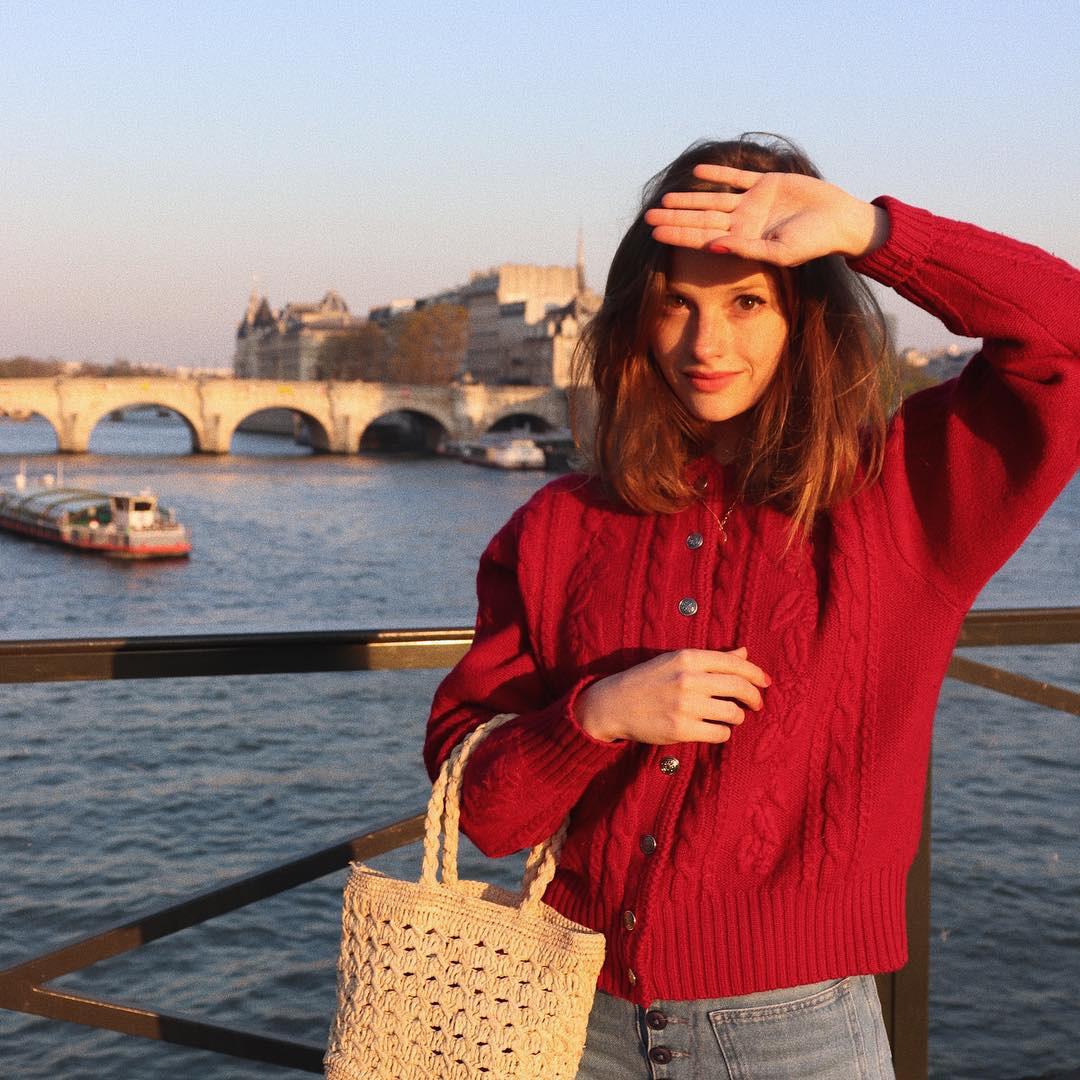 Áo len vặn thừng tái xuất, 'bỏ bùa' gái Hàn đến gái Pháp: Thị phạm ngay 14 set đồ cực phiêu cho các nàng diện cuối tuần này 14