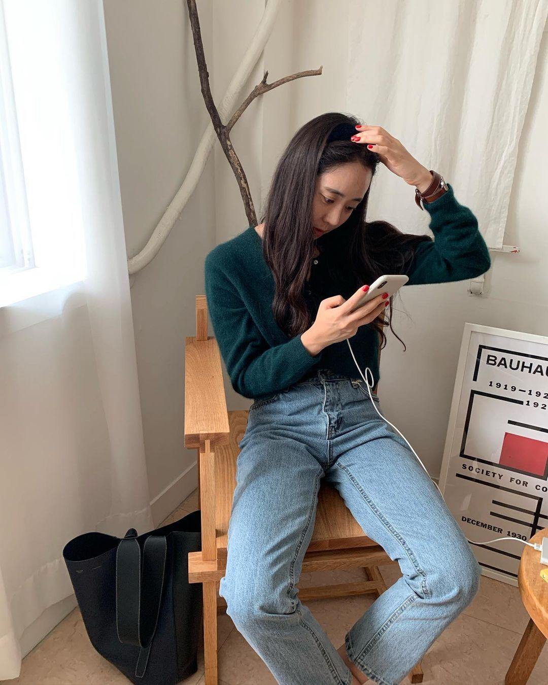 Miranda Kerr sẽ chỉ bạn biết 3 mẫu áo mix với quần jeans cho hiệu ứng hack tuổi đỉnh cao, không lo 'cưa sừng làm nghé' 10