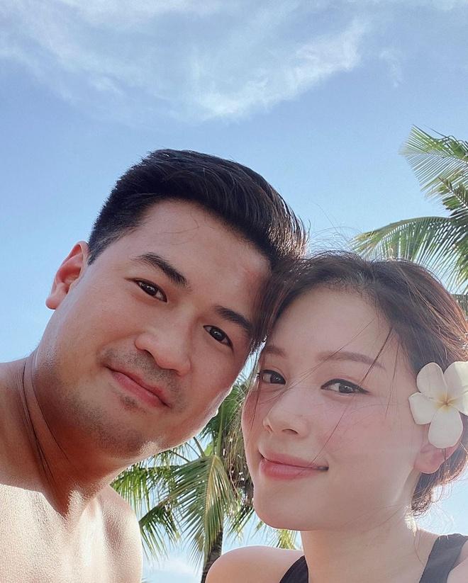 Khi độc thân thì không ngại bikini sexy, từ ngày yêu thiếu gia nhà hào môn, đến đồ bơi Linh Rin cũng kín bưng không hở 'khúc' nào 7