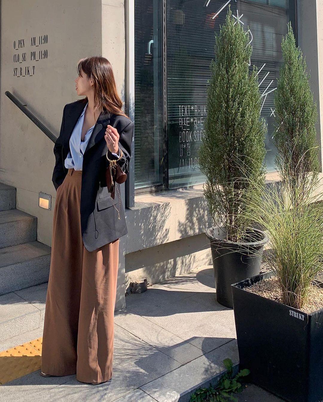 5 mẫu áo quá hợp để diện cùng blazer, bạn cần biết hết để không bao giờ thất bại trong chuyện mặc đẹp 0