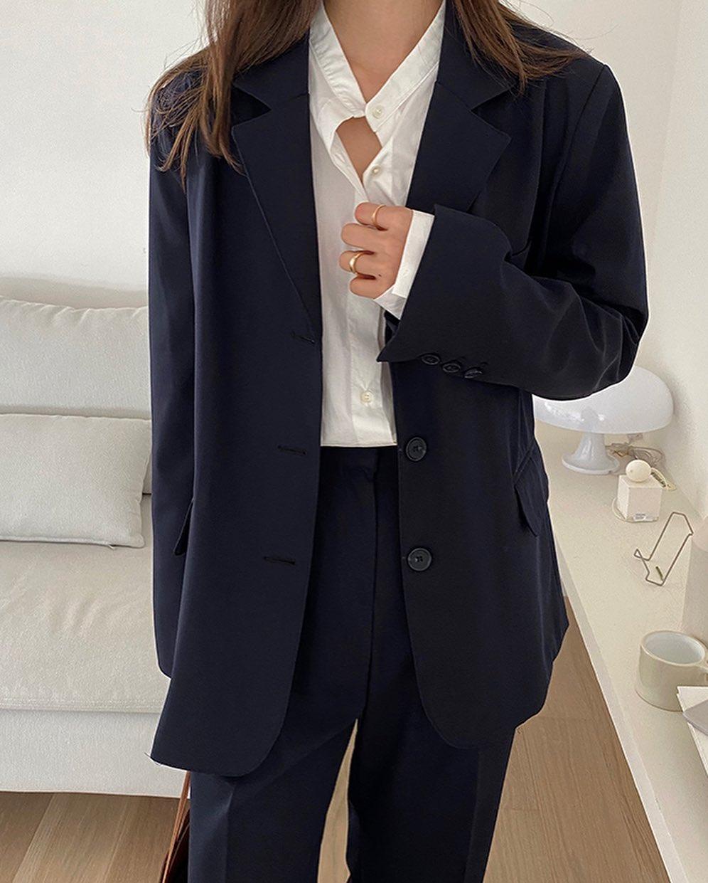 5 mẫu áo quá hợp để diện cùng blazer, bạn cần biết hết để không bao giờ thất bại trong chuyện mặc đẹp 2