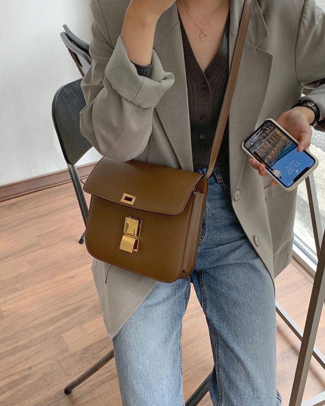 5 mẫu áo quá hợp để diện cùng blazer, bạn cần biết hết để không bao giờ thất bại trong chuyện mặc đẹp 7