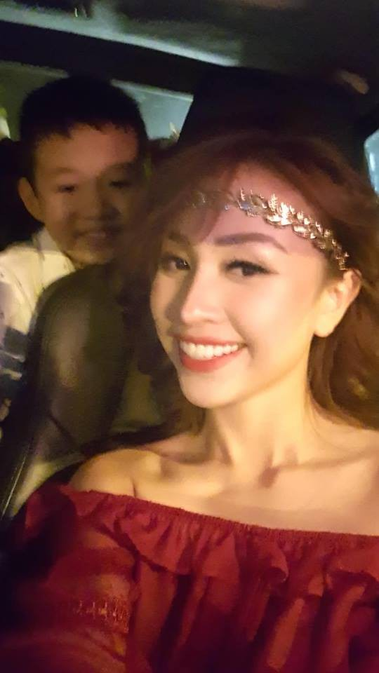 Tết Trung thu, bà bầu Hằng Túi dắt cả đàn con đi dạo phố, Meo Meo đi du lịch Thái Lan cùng con trai cưng 15