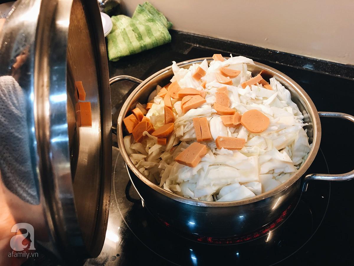 Gia đình ở Sài Gòn nuôi chú heo nặng gần 60kg, thực đơn riêng có tôm càng, xúc xích Đức, tổ yến 12
