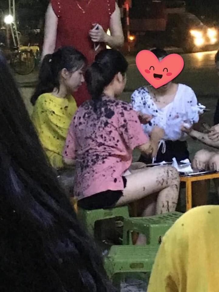 Cạnh tranh không lành mạnh, một quán trà chanh tại Thái Nguyên bị ném chất thải trộn dầu luyn khiến khách vạ lây gây phẫn nộ MXH 1