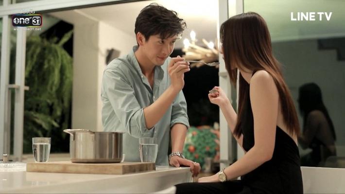 Xem 'Chiếc lá bay' mới biết, hóa ra bí quyết dưỡng da của phụ nữ Thái chỉ nhờ chăm uống cốc nước này mỗi ngày 5