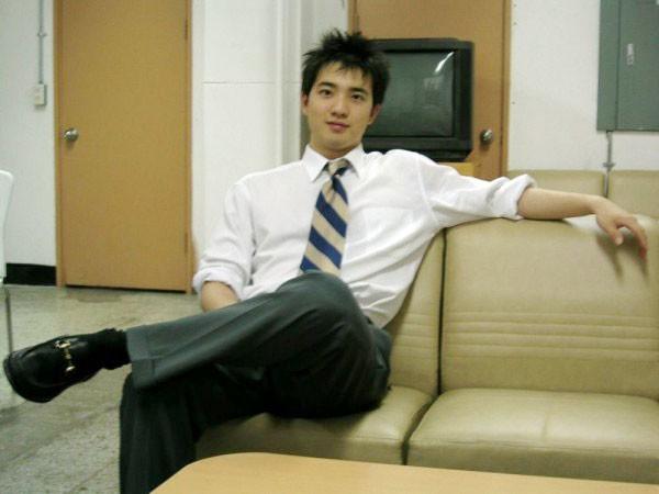 Những hình ảnh hiếm hoi về bạn trai cũ của Kim Tae Hee.