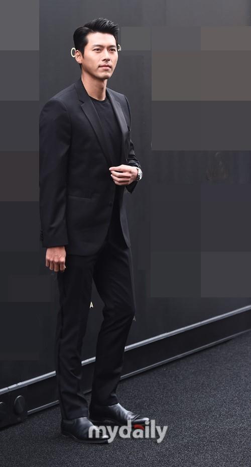 'Tình cũ Song Hye Kyo' - Hyun Bin xuất hiện đẹp trai và phong động ở tuổi 37 7