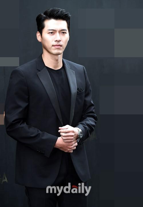 'Tình cũ Song Hye Kyo' - Hyun Bin xuất hiện đẹp trai và phong động ở tuổi 37 6
