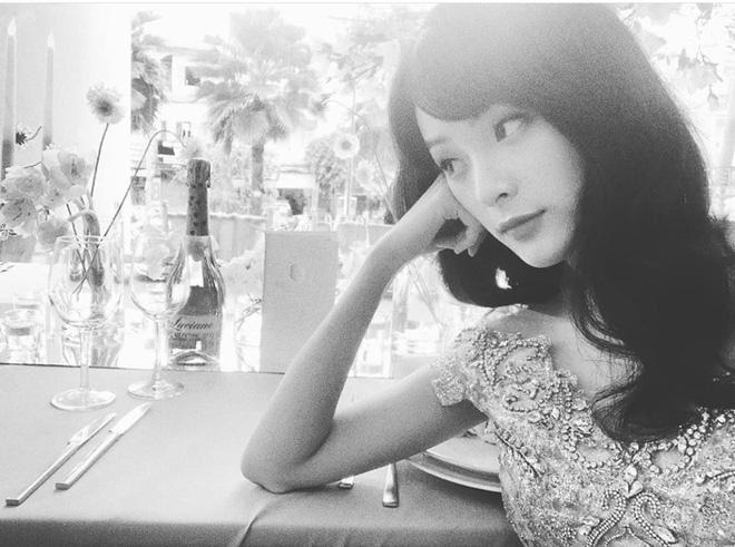 Mỹ nữ 'vạn người mê' Hạ Vi để lộ nhan sắc gầy gò khiến nhiều người xót xa 1