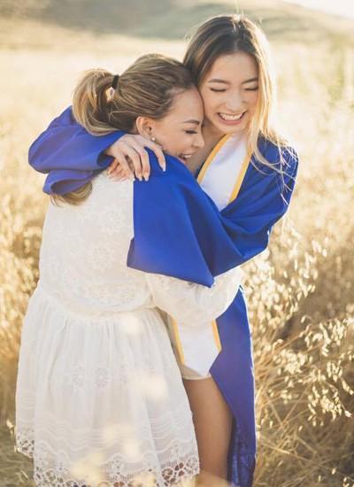 Quỳnh Tiên và những khoảnh khắc bên mẹ.