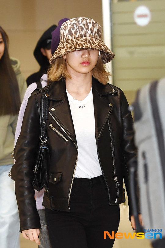 Loạt sao trở về Hàn sau đêm 'AAA 2019' gây tranh cãi tại Việt Nam: Lộ rõ gương mặt mệt mỏi! 22