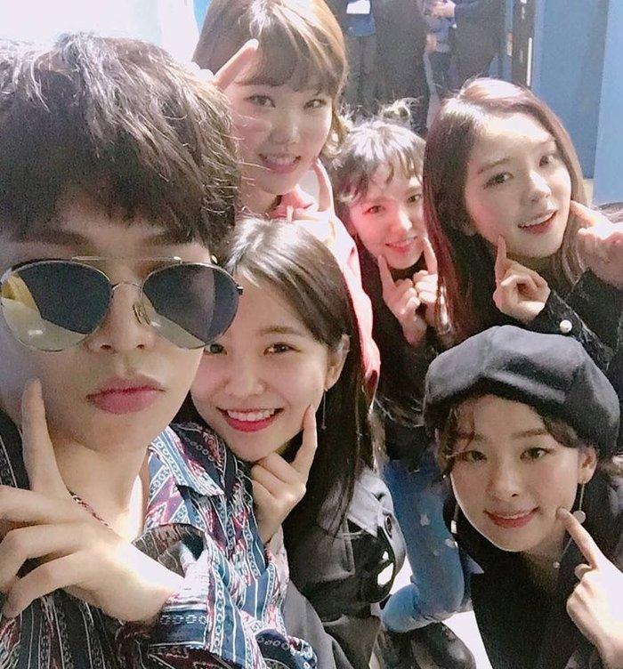 AKMU và Red Velvet