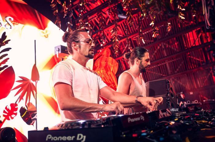 Đại nhạc hội quy tụ những DJ hàng đầu thế giới nhưDimitri Vegas, Steve Aoki hay nghệ sĩ solo hàng đầu Hàn Quốc Zico