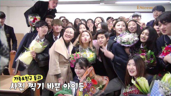 Lễ tốt nghiệp tại trường học nghệ thuật danh giá bậc nhất Hàn Quốc: Hội tụ dàn thần tượng đình đám 0