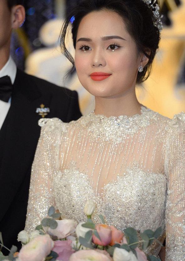 Liều lĩnh chọn phong cách make up chưa từng có tiền lệ tại Vbiz, Quỳnh Anh trở thành cô dâu đi đầu xu hướng hot hit nhất 2020 3