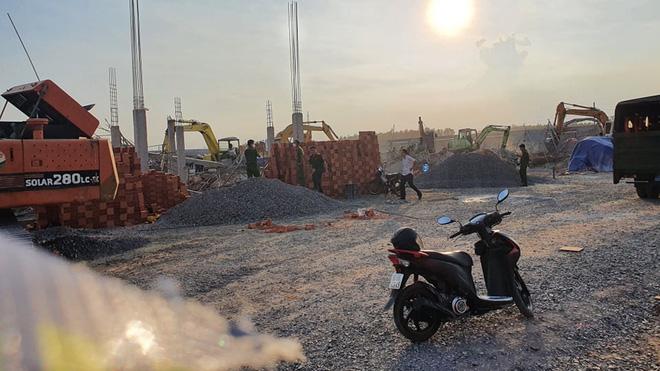 Sự cố sập tường trong quá trình thi công nhà máy tại KCN Giang Điền, công ty này sản xuất băng vệ sinh, tã lót, bình sữa....