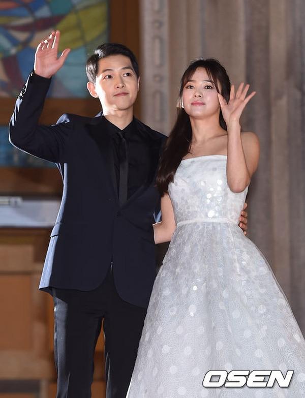 Lee Dong Gun - Jo Yoon Hee là cặp đôi quyền lực thứ 3 ly hôn: Giống và khác gì với Song Song, Goo Hye Sun - Ahn Jae Hyun? 7