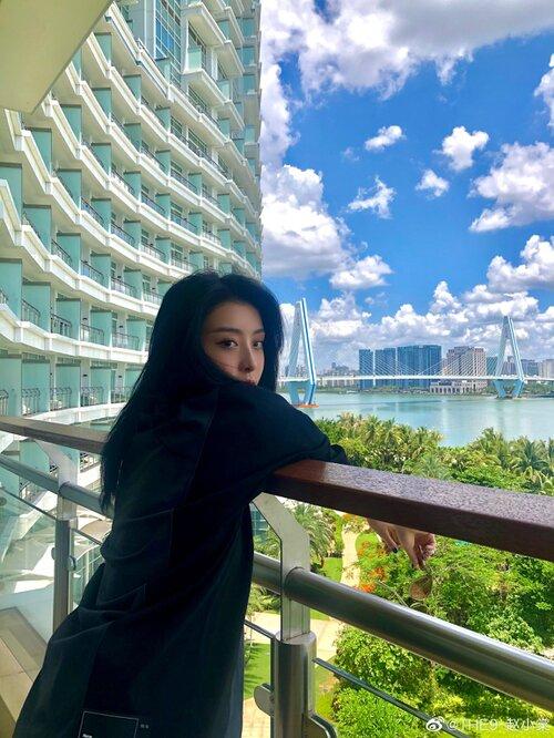 The9: Sau sự cố 'vạ miệng' của Triệu Tiểu Đường, Ngu Thư Hân tuyên bố tạm dừng tài khoản phụ 12